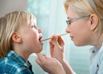 Как правильно лечить ларинготрахеит у детей?