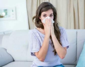 Чем риновирусная инфекция отличается от обычного насморка?