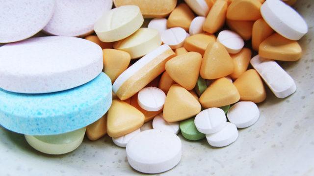kakoye-lekarstvo-ot-grippa-i-prostudy-luchshe-i-effektivneye-640x359-9445860
