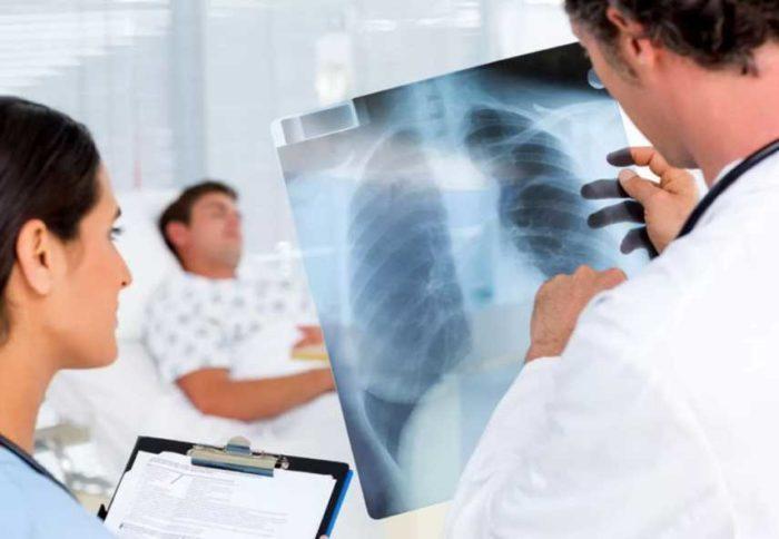 Можно ли бронхопневмонию вылечить в домашних условиях?